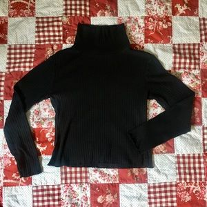 Wild Fable crop turtle neck sweater Size M